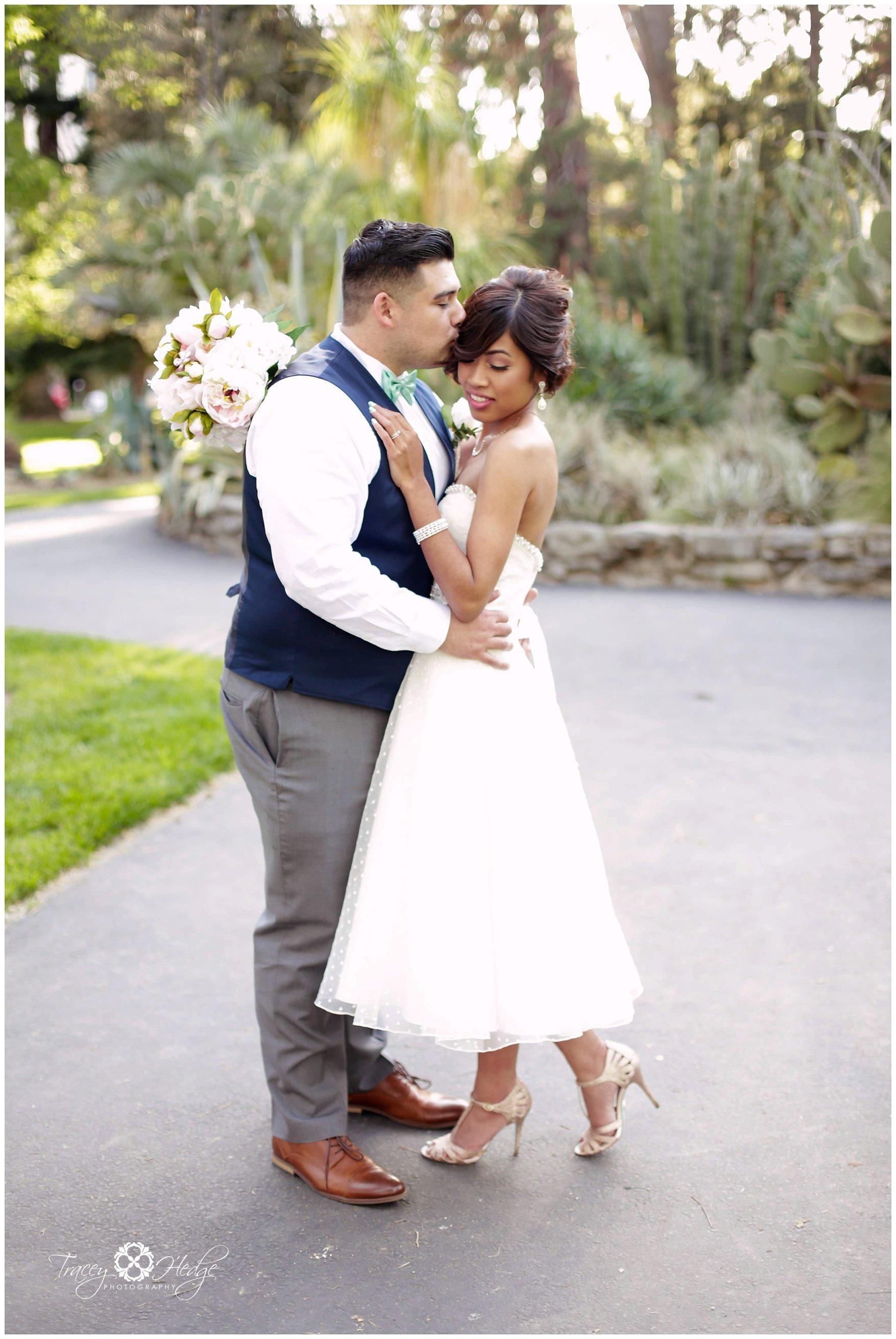 Wedding Photography In Sacramento Ca: Sacramento Court House Wedding Sneak Peek